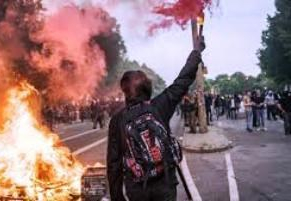 Street riot - Copy